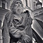 Николай Стражин на фоне Троицкого собора Псковского кремля